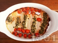 Вкусна лесна печена сьомга с песто и чери домати на фурна